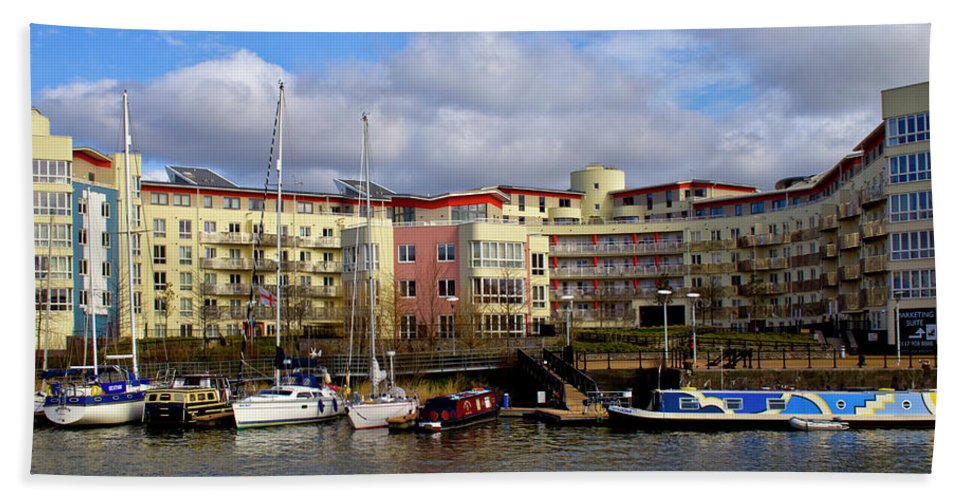 Bristol Bath Sheet featuring the photograph Bristol Harbour Appartments by Brian Roscorla