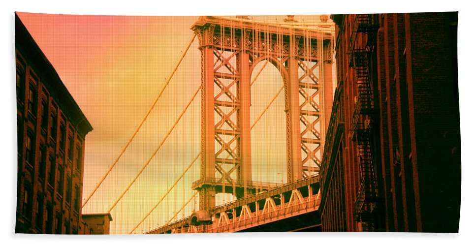 Suspension Bridge Bath Sheet featuring the digital art Brooklyn Bridge by James Mingo