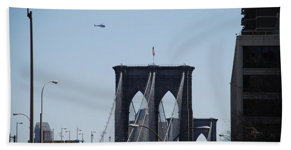 Architecture Hand Towel featuring the photograph Brooklyn Bridge by Rob Hans