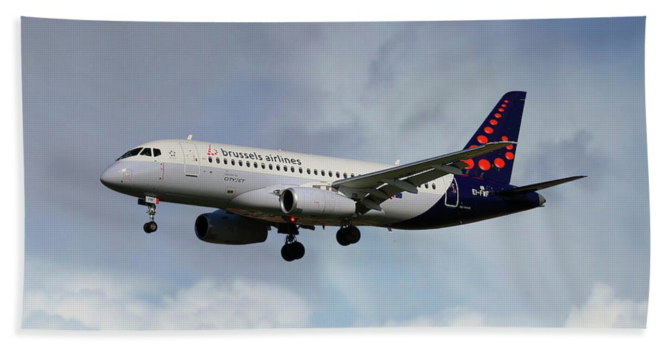 Brussels Airlines Hand Towel featuring the photograph Brussels Airlines Sukhoi Superjet 100-95b by Smart Aviation