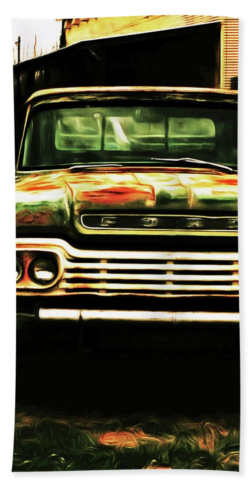 Ford Hand Towel featuring the digital art Bubba by Christopher Fuller