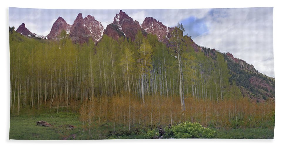 Mountain Hand Towel featuring the photograph Buckskin Mtn And Friends by Heather Coen