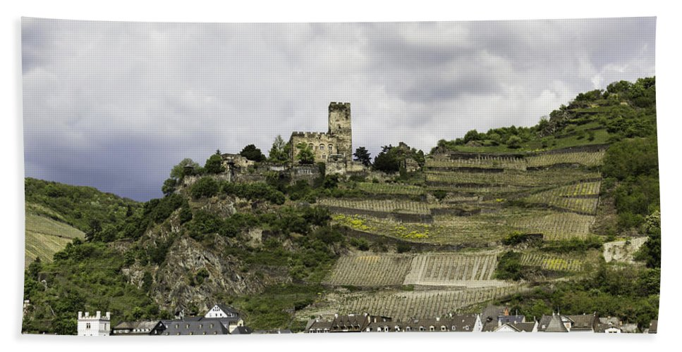 Teresa A Mucha Hand Towel featuring the photograph Burg Gutenfels And The Village Of Kaub by Teresa Mucha