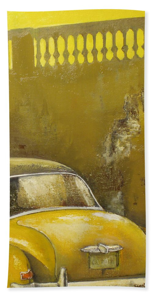 Havana Hand Towel featuring the painting Buscando La Sombra by Tomas Castano