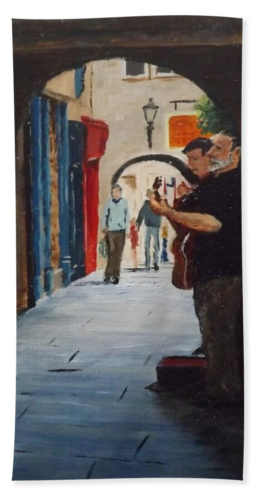 Buskers Hand Towel featuring the painting Buskers, Kilkenny by Tony Gunning