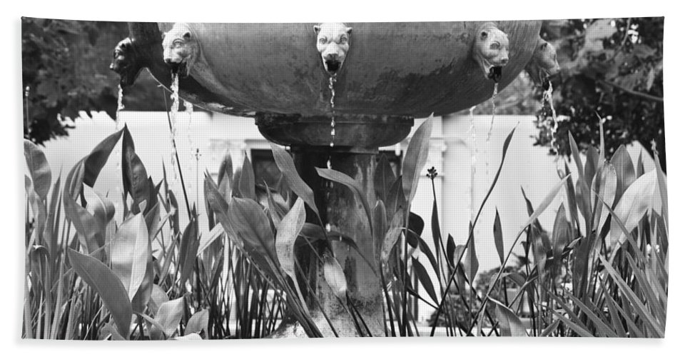 J Paul Getty Hand Towel featuring the photograph Bw Fountain At The Getty Villa by Teresa Mucha