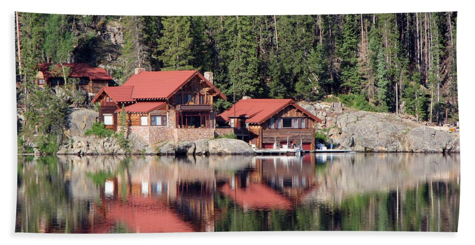 Cabin Hand Towel featuring the photograph Cabin by Amanda Barcon