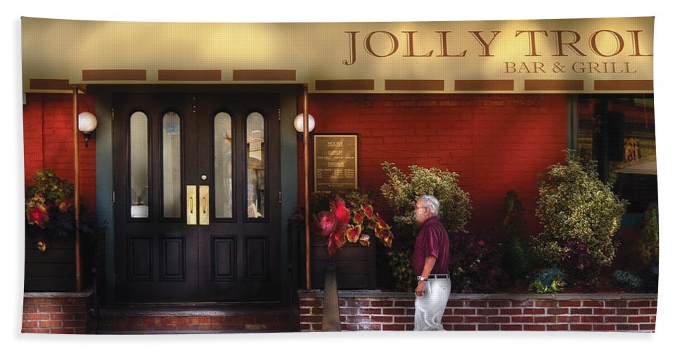 Savad Bath Towel featuring the photograph Cafe - Jolly Trolley by Mike Savad