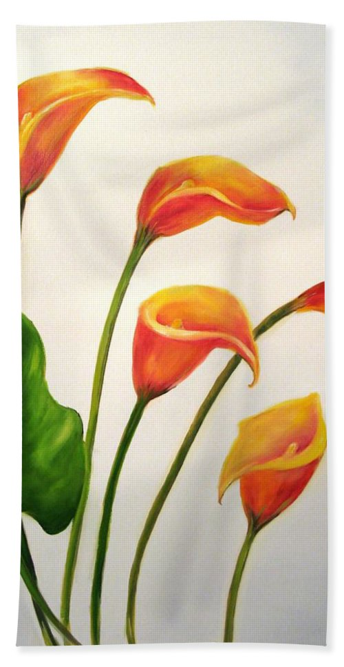 Calla Lilies Hand Towel featuring the painting Calla Lilies by Carol Sweetwood