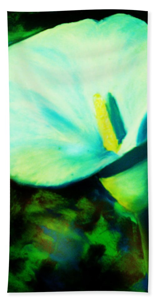 White Calla Lily Bath Sheet featuring the painting Calla Lily by Melinda Etzold