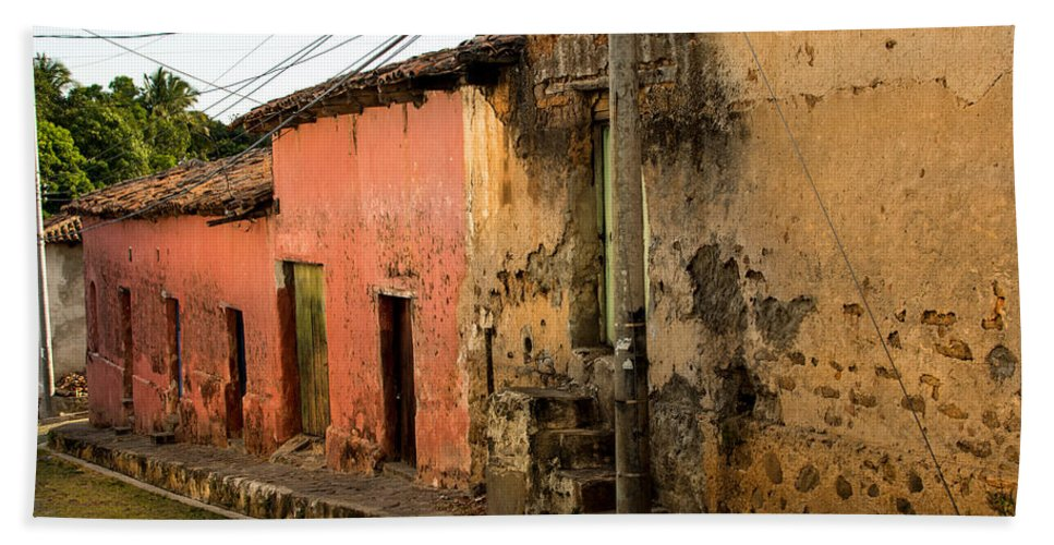 Street Hand Towel featuring the photograph Calle En Suchitoto by Totto Ponce