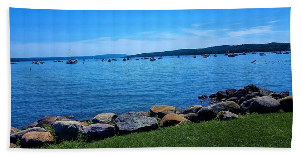 Lake Bath Towel featuring the photograph Canandaigua Lake by Rob Hans