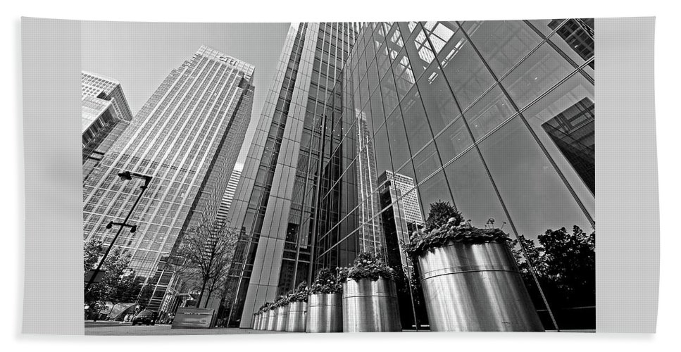 London Bath Towel featuring the photograph Canary Wharf Financial District In Black And White by Gill Billington