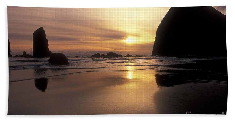 Waterscapes Hand Towel featuring the photograph Cannon Beach Sunset-oregon by Sandra Bronstein