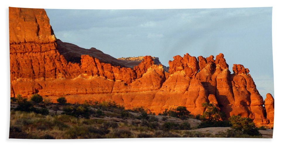 Utah Bath Towel featuring the photograph Canyonlands At Sunset by Marty Koch