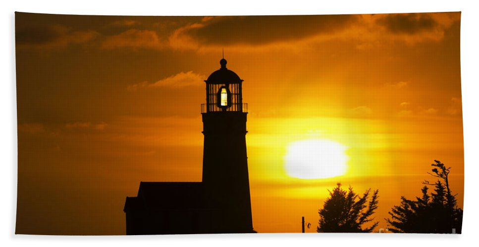 Sun Hand Towel featuring the photograph Cape Blanco Lighthouse Sunset 2 by Bob Christopher