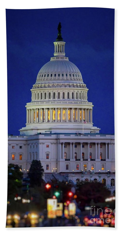 Us Capitol Bath Sheet featuring the photograph Capitol At Dusk by Doug Sturgess