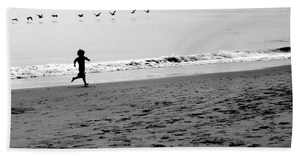Photograph Bath Sheet featuring the photograph Carefree by Jean Macaluso