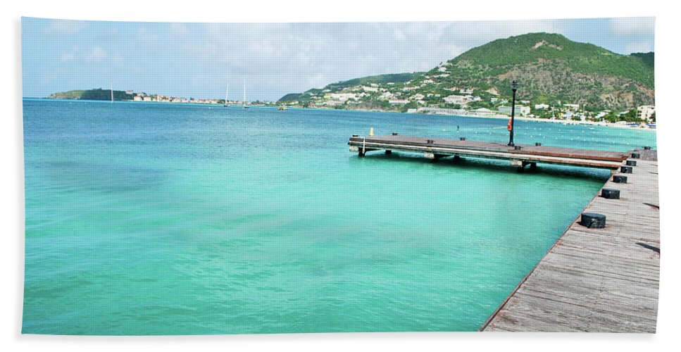 Turquoise Hand Towel featuring the photograph Caribbean Dream by Sherri Johnson