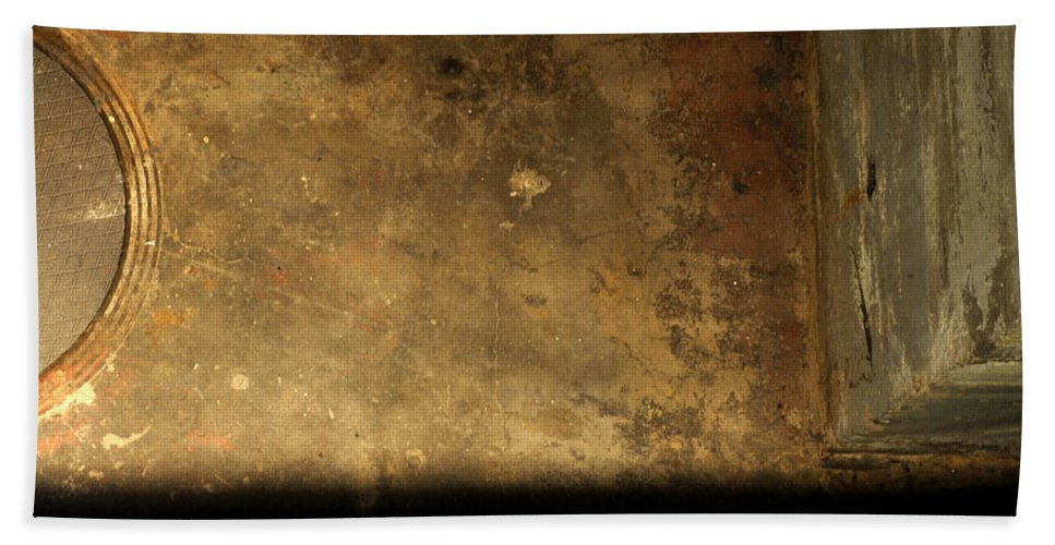 Manhole Bath Sheet featuring the photograph Carlton 13 - Abstract From The Bridge by Tim Nyberg