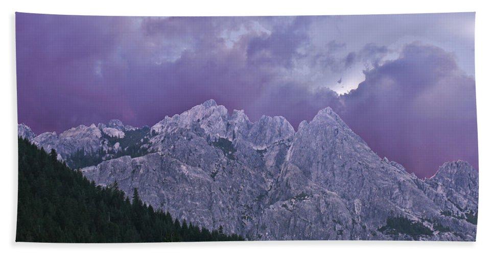 Landscape Bath Towel featuring the photograph Castle Craggs by Karen W Meyer