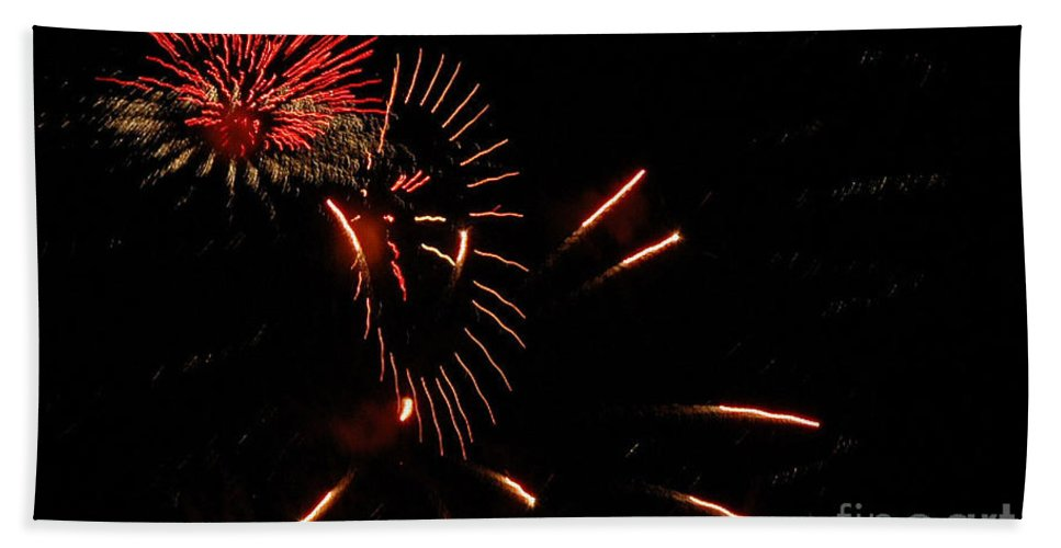4th Of July Hand Towel featuring the photograph Cat Burst by Norman Andrus