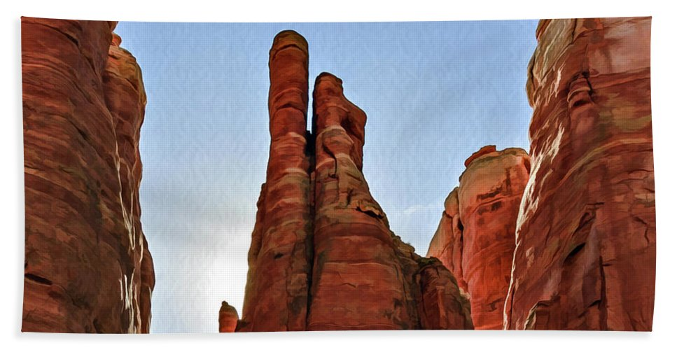 Arizona Bath Towel featuring the photograph Cathedral Rock 05-155 by Scott McAllister