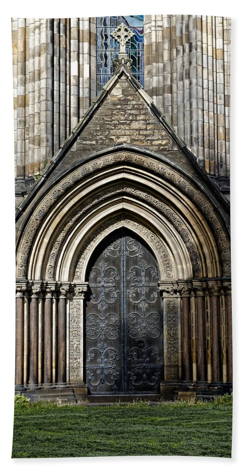 St Marys Cathedral Hand Towel featuring the photograph Cathedral Side Door by Scott Hill