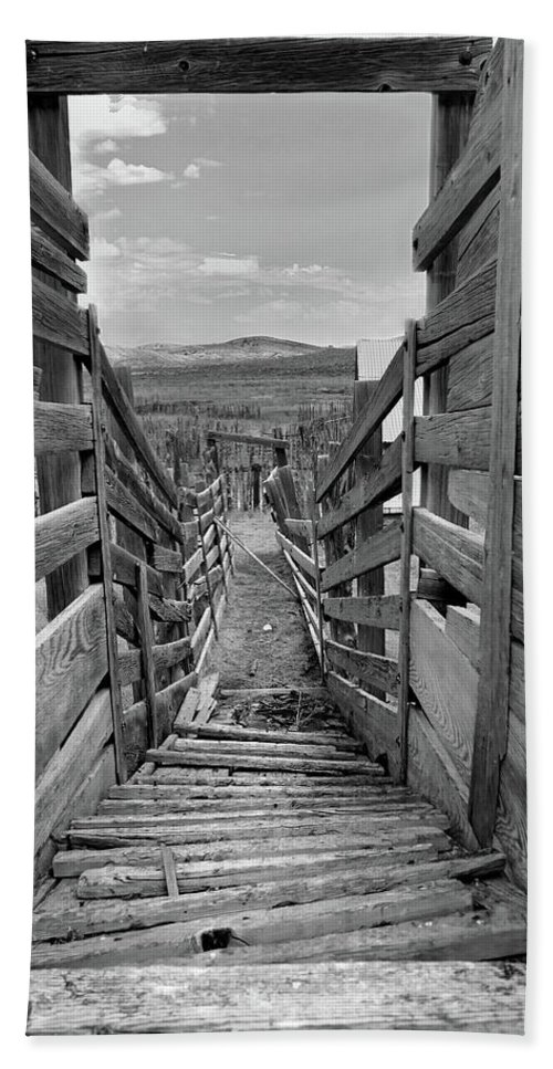 Nevada Hand Towel featuring the photograph Cattle Chute by Jeff Brunton