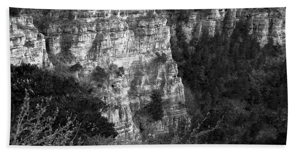 Cave Of The Winds Bath Sheet featuring the photograph Cave Of The Winds Gorge by Misty Tienken