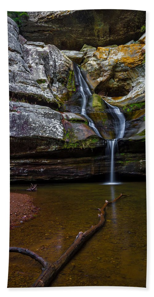 Ohio Bath Sheet featuring the photograph Cedar Falls In Hocking Hills State Park by Ron Pate
