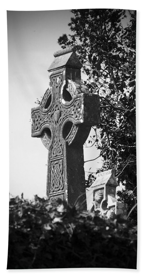 Celtic Bath Towel featuring the photograph Celtic Cross At Fuerty Cemetery Roscommon Ireland by Teresa Mucha
