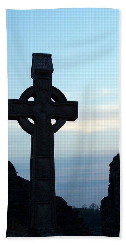 Irish Bath Towel featuring the photograph Celtic Cross At Sunset Donegal Ireland by Teresa Mucha