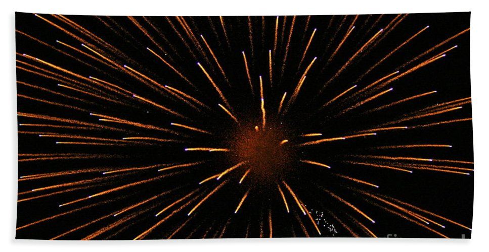 Fireworks Bath Towel featuring the photograph Center Mass by Rick Monyahan