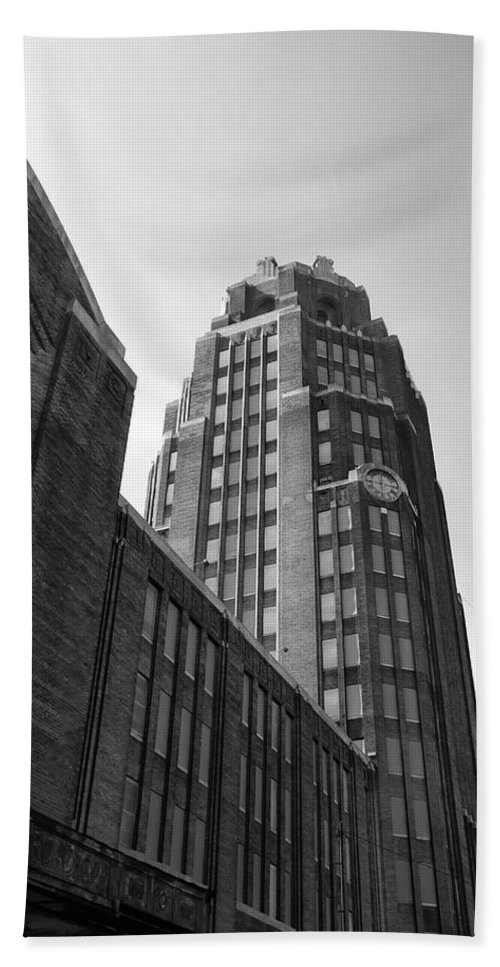 Buildings Hand Towel featuring the photograph Central Terminal 15142 by Guy Whiteley