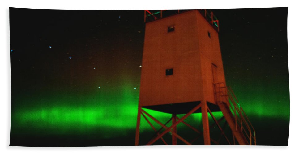 Aurora Borealis Bath Sheet featuring the photograph Charlevoix Aurora by LuAnn Griffin