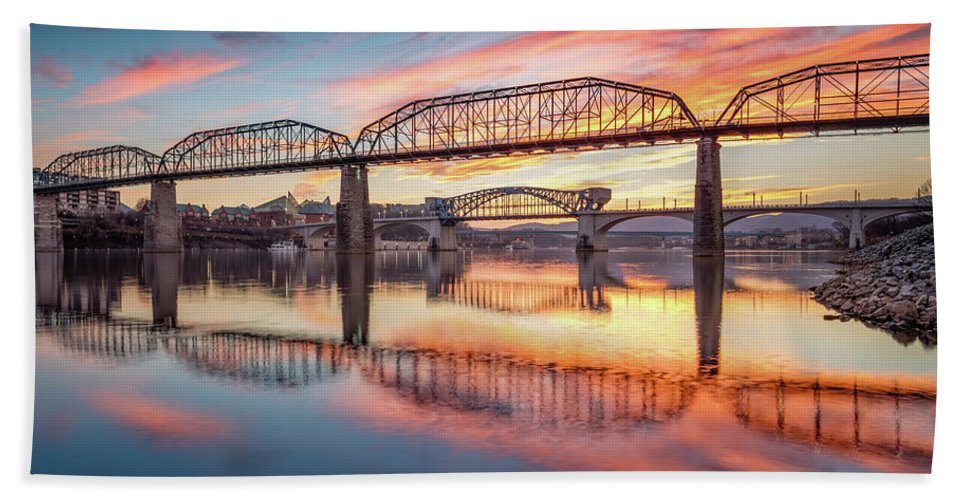 Chattanooga Hand Towel featuring the photograph Chattanooga Sunset 5 by Steven Llorca
