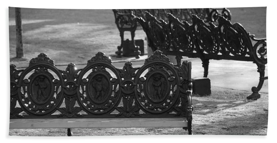 Black And White Hand Towel featuring the photograph Cherb Benches by Rob Hans
