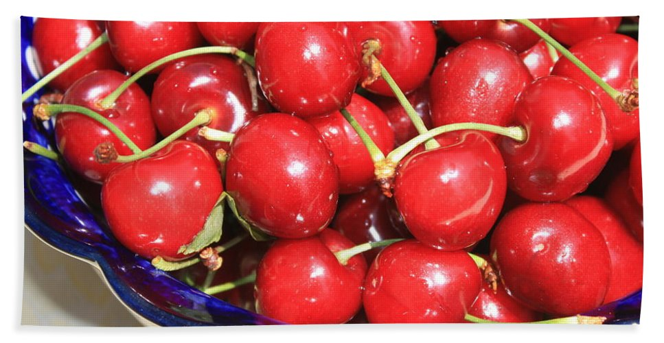Food Hand Towel featuring the photograph Cherries In A Bowl Close-up by Carol Groenen