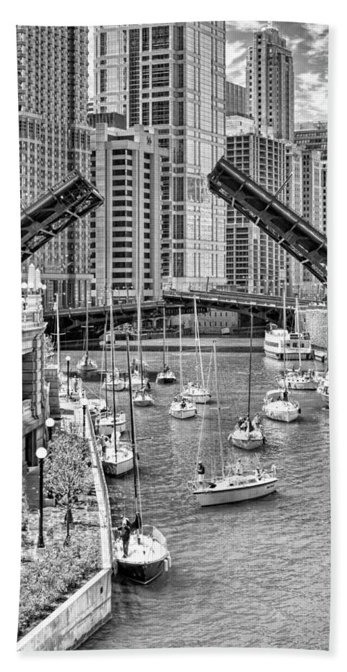 Boat Hand Towel featuring the photograph Chicago River Boat Migration In Black And White by Christopher Arndt
