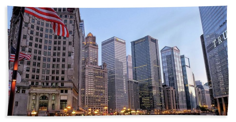 Chicago Hand Towel featuring the photograph Chicago River From The Michigan Avenue Bridge by River Engel