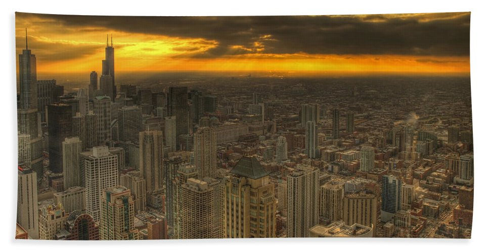 Chicago Hand Towel featuring the photograph Chicago Setting by Ajit Pillai