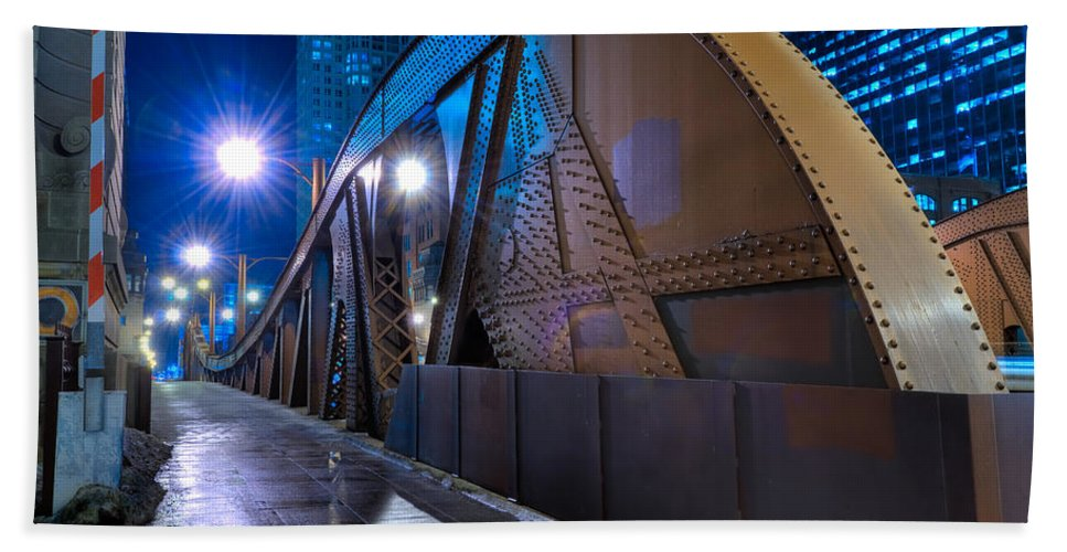 Bridge Bath Sheet featuring the photograph Chicago Steel Bridge by Steve Gadomski