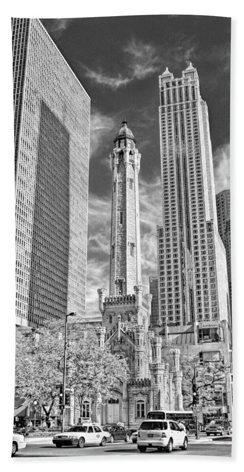 Chicago Hand Towel featuring the photograph Chicago Water Tower Shopping Black And White by Christopher Arndt