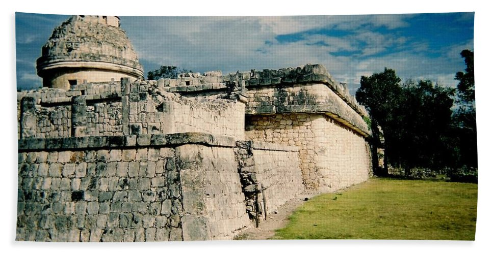 Chitchen Itza Hand Towel featuring the photograph Chichen Itza 1 by Anita Burgermeister