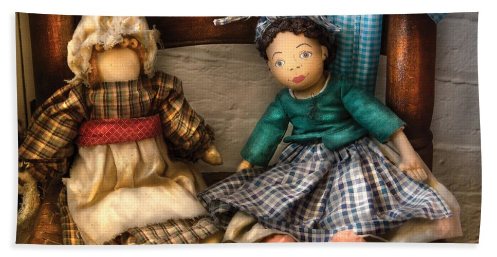 Savad Bath Sheet featuring the photograph Children - Toys - Dolls Americana by Mike Savad