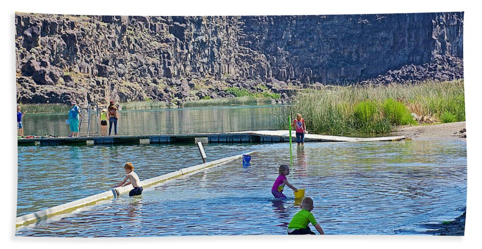 Children Playing In Dierkes Lake In Snake River Near Twin Falls Hand Towel featuring the photograph Children Playing In Dierkes Lake In Snake River Above Shoshone Falls Near Twin Falls-idaho by Ruth Hager