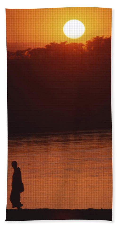 Sunset Bath Towel featuring the photograph Chitwan Sunset by Patrick Klauss