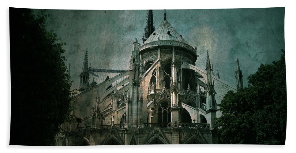 Notre Dame Hand Towel featuring the photograph Citadel by Andrew Paranavitana