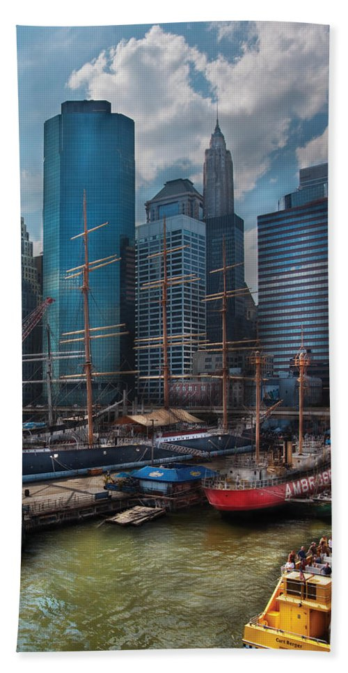 Savad Bath Sheet featuring the photograph City - Ny - The New City by Mike Savad